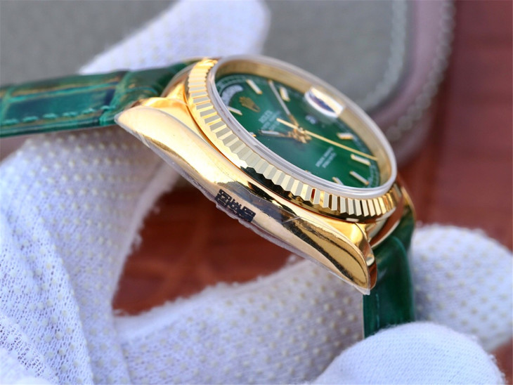Replica Rolex Day-Date Fluted Bezel