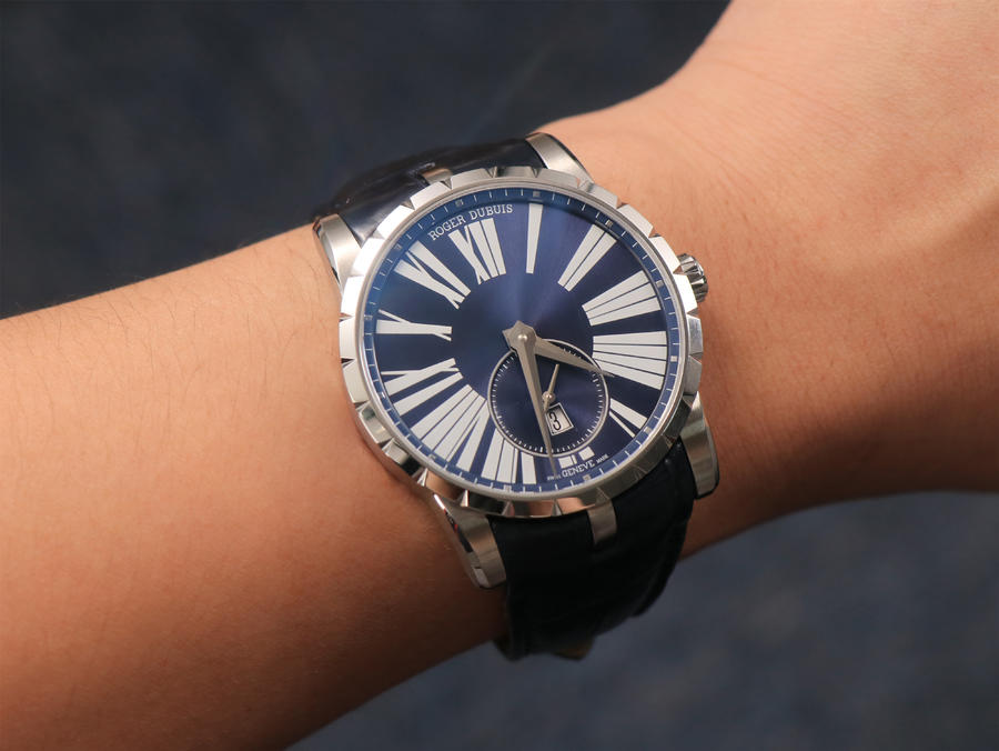 Roger Dubuis Excalibur DBEX0535 Wrist Shot