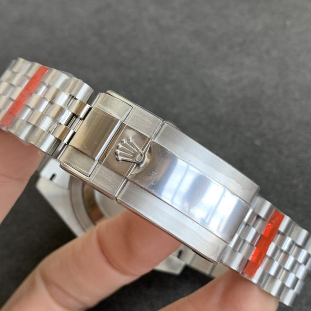 Replica Rolex GMT-Master II 126710 Bracelet