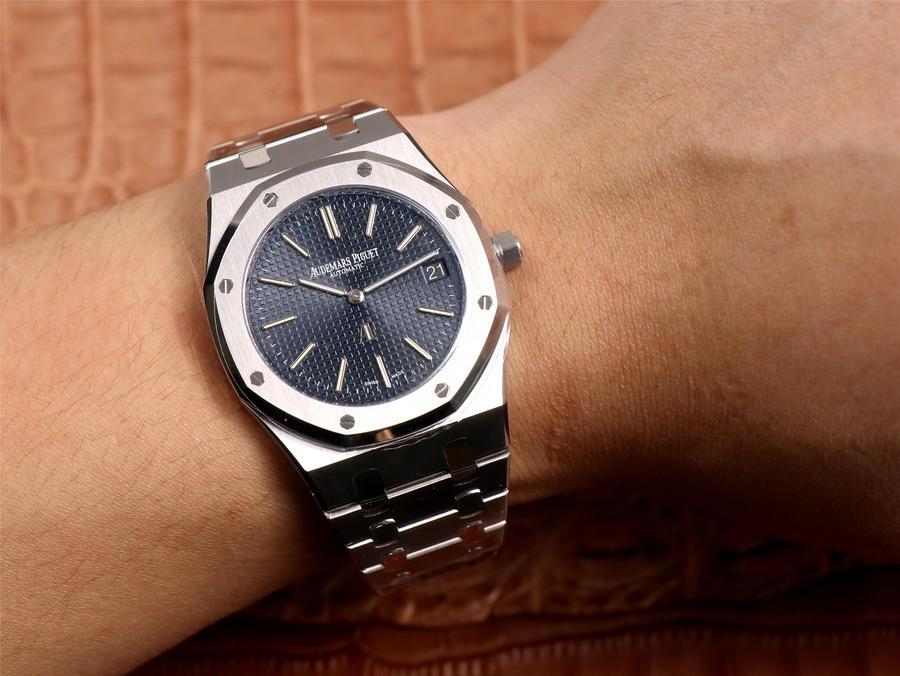 Audemars Piguet 15202 Wrist Shot