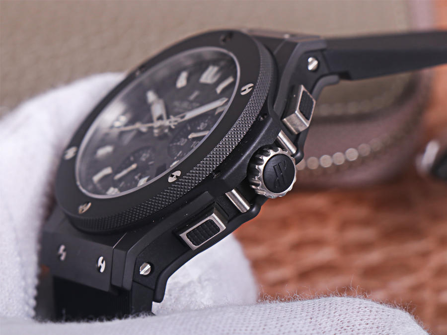 Hublot Black Carbon Crown