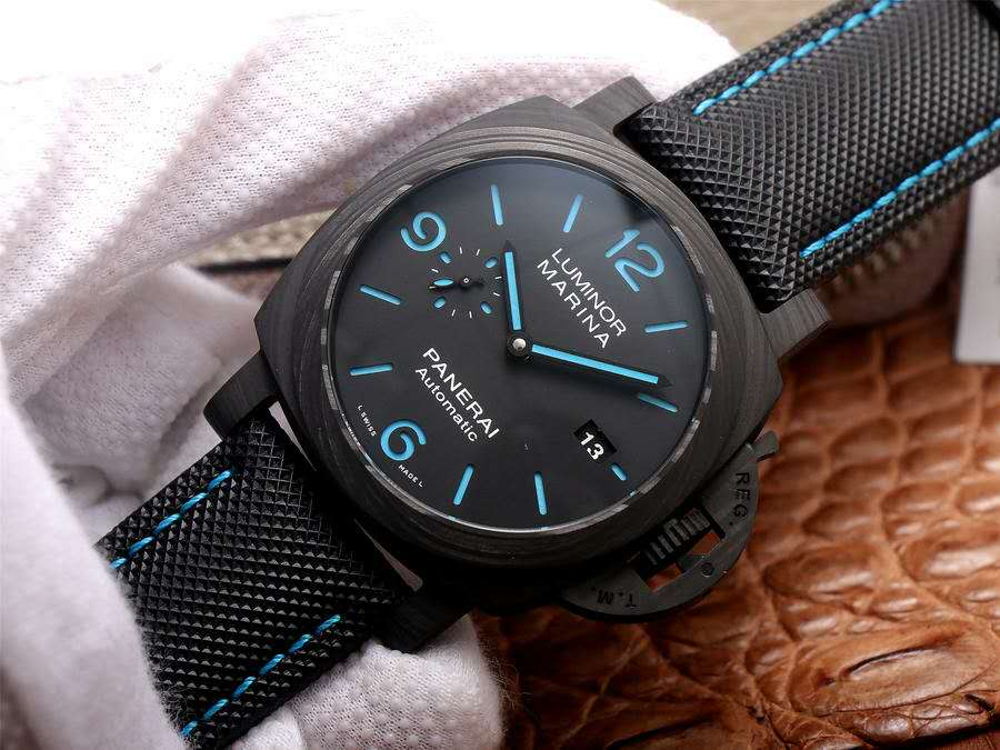 Replica Panerai Luminor Marina Forged Carbon