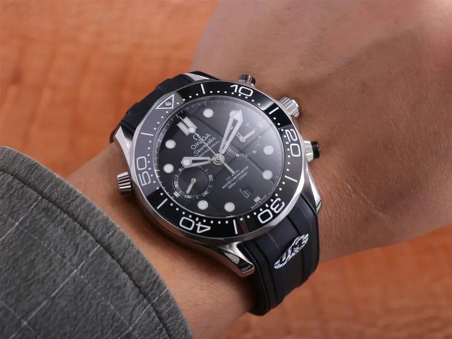 Omega Seamaster Chrono Wrist Shot