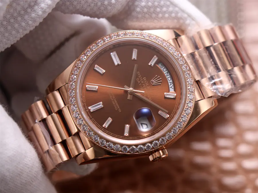 Replica Rolex Day-Date 40mm Rose Gold