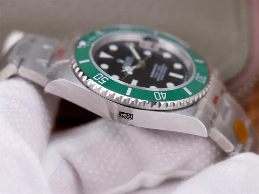 Rolex Submariner 126610LV Case
