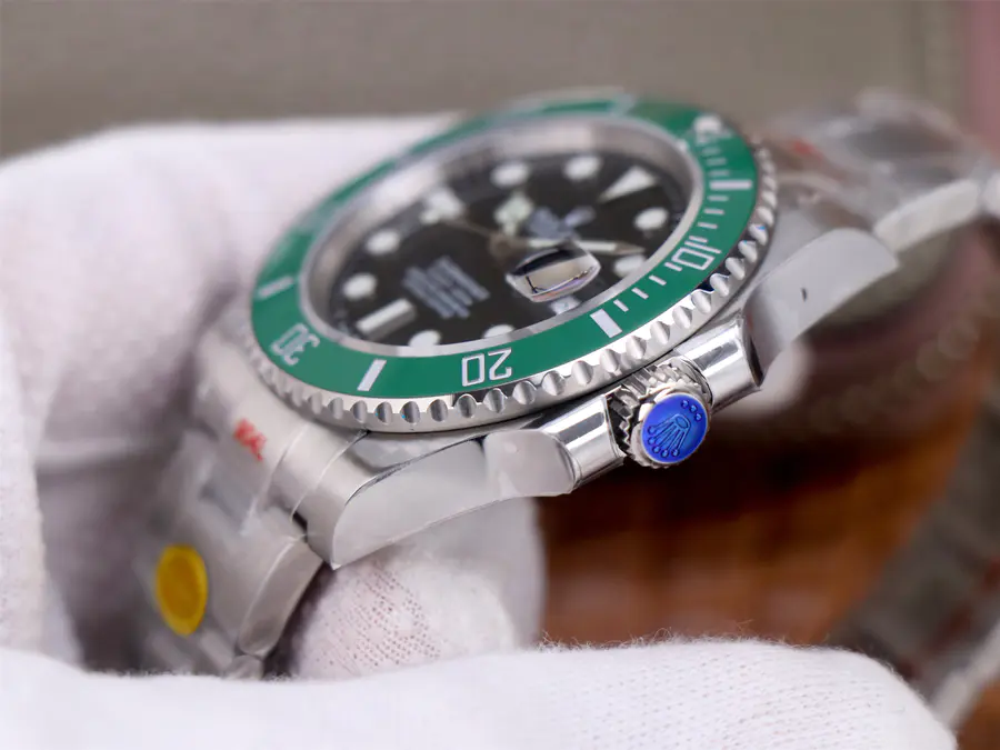 Rolex Submariner 126610LV Crown