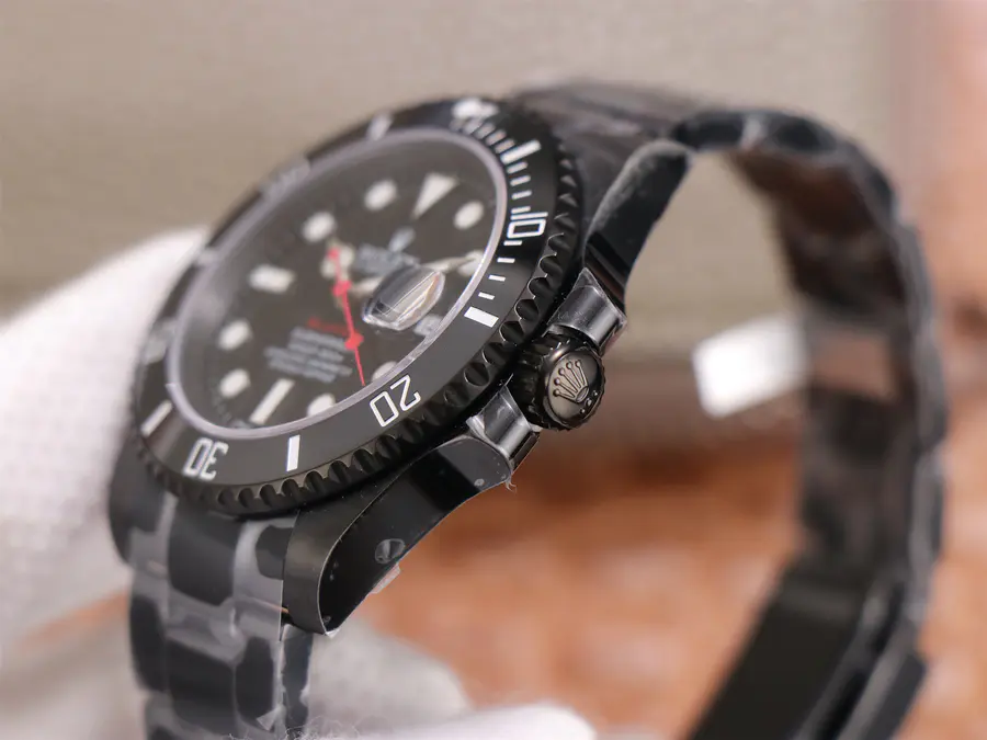 Rolex Submariner Blaken Crown