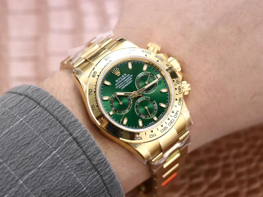 Rolex Green Daytona Wrist Shot