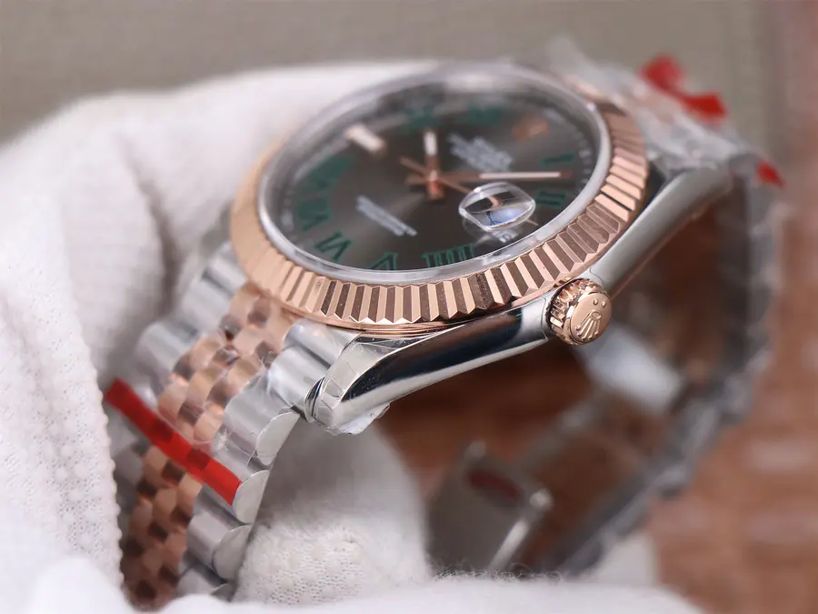 Replica Rolex Datejust 41mm Rose Gold Crown
