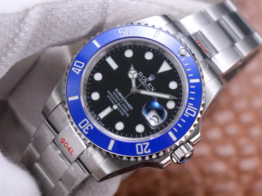 Replica Rolex Submariner 126610LB