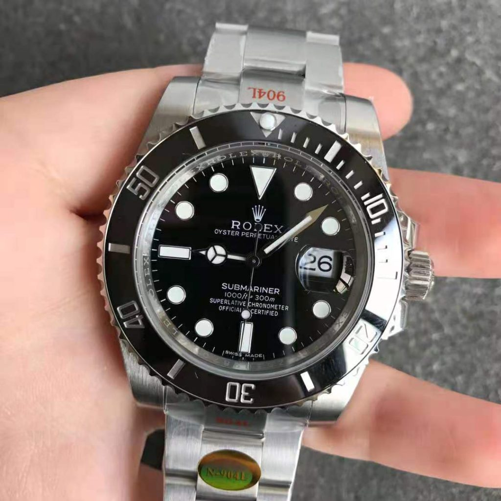 Noob V12 Submariner 116610LN
